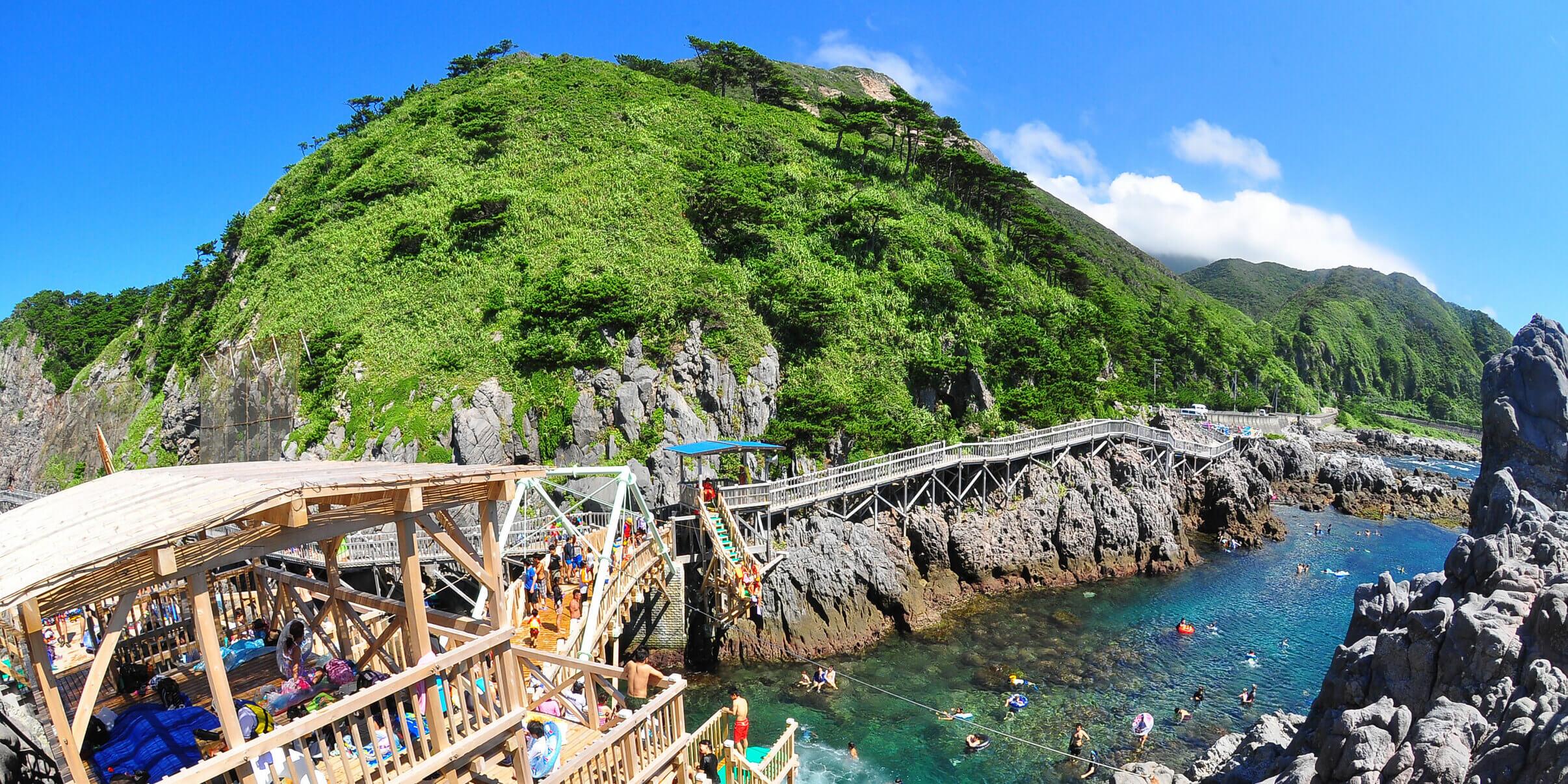 赤崎海水浴場・赤崎遊歩道